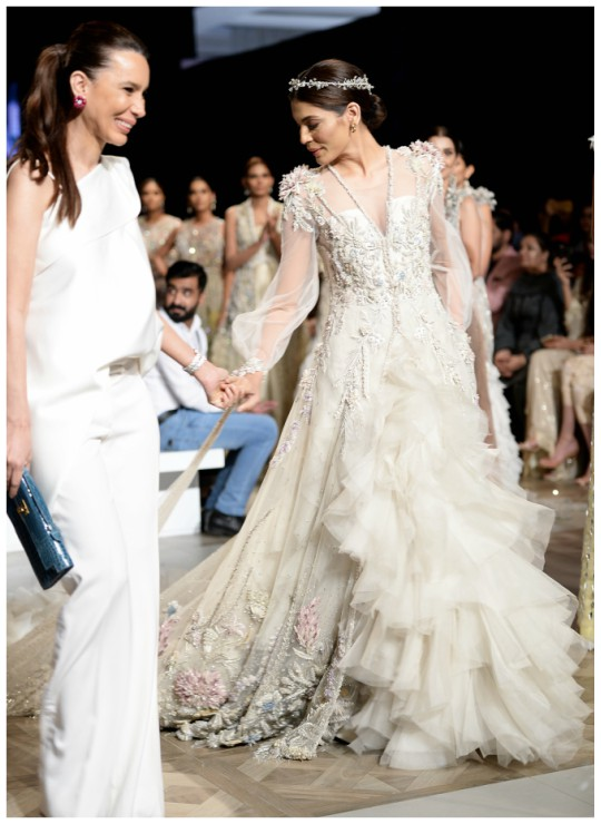 pfdcl_oreal_paris_bridal_week_2017_day_2_blog_sana_safinaz_540_19
