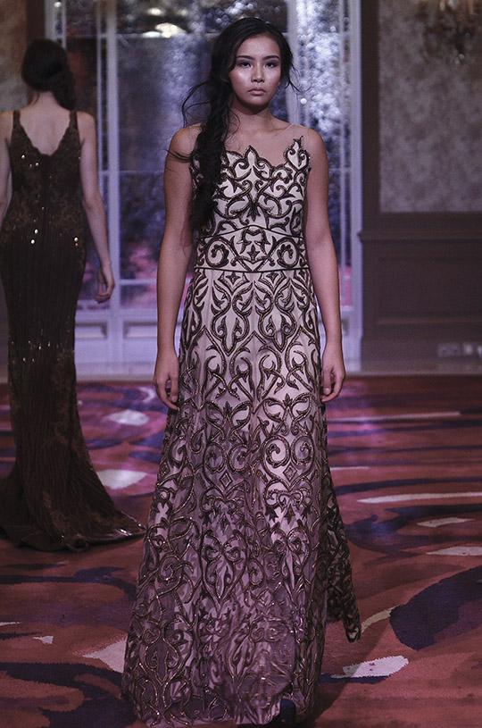 natasha_kamal_paris_fashion_week_2017_540_01