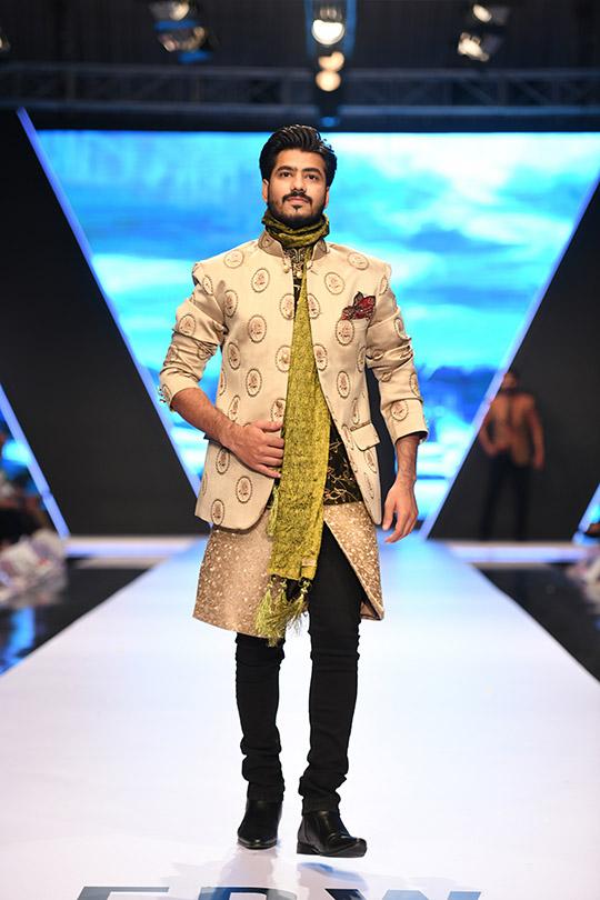 fashion_pakistan_ss_18_blog_amir_adnan_540_02