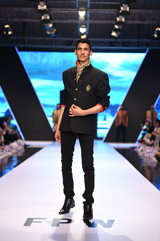 fashion_pakistan_ss_18_blog_amir_adnan_540_04
