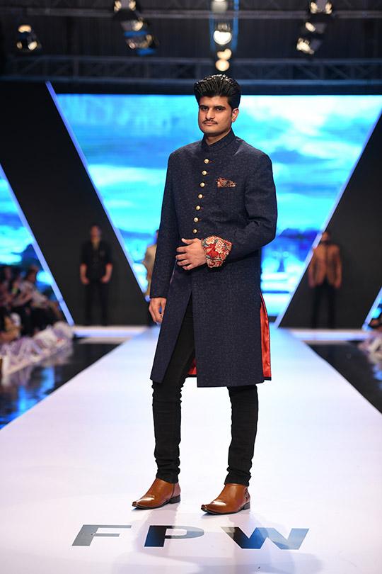 fashion_pakistan_ss_18_blog_amir_adnan_540_05