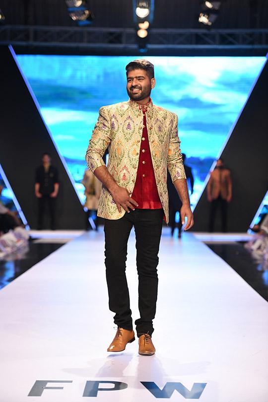 fashion_pakistan_ss_18_blog_amir_adnan_540_06