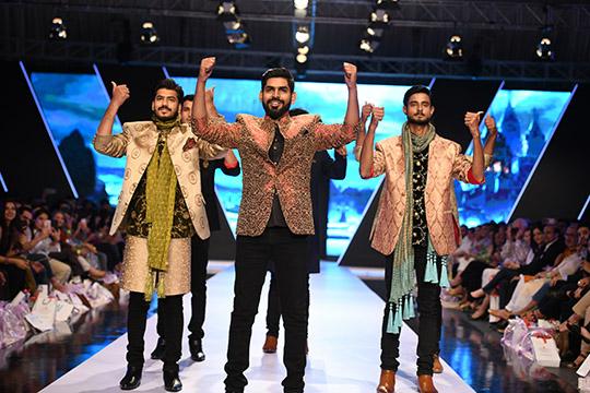 fashion_pakistan_ss_18_blog_amir_adnan_540_07