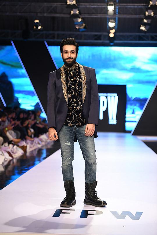 fashion_pakistan_ss_18_blog_amir_adnan_540_08