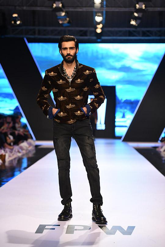 fashion_pakistan_ss_18_blog_amir_adnan_540_09
