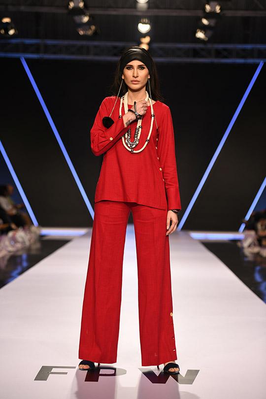 fashion_pakistan_ss_18_blog_gulabo_540_05