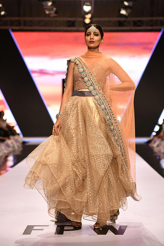 fashion_pakistan_ss_18_blog_yasmeen_jiwa_540_01