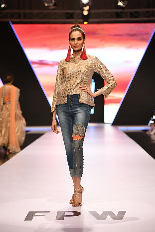 fashion_pakistan_ss_18_blog_yasmeen_jiwa_540_02