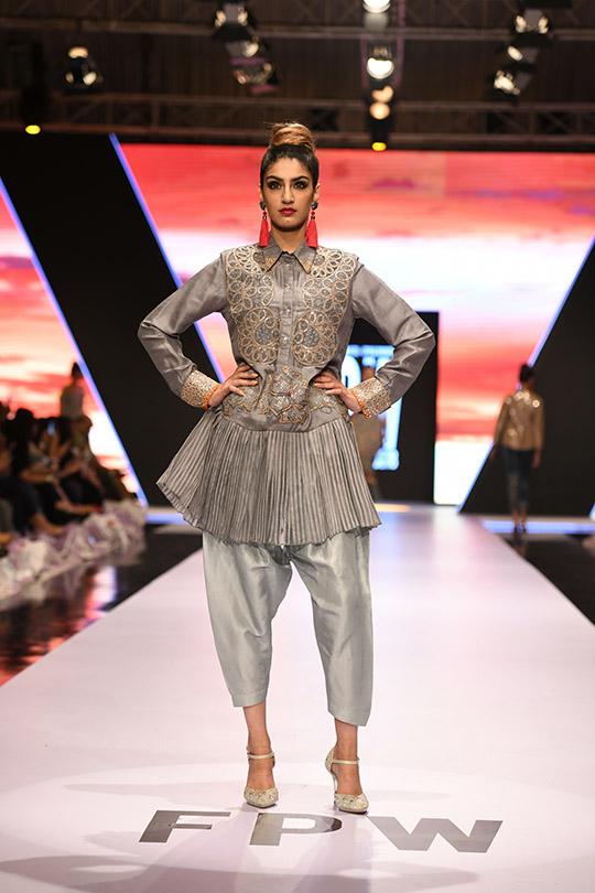 fashion_pakistan_ss_18_blog_yasmeen_jiwa_540_03