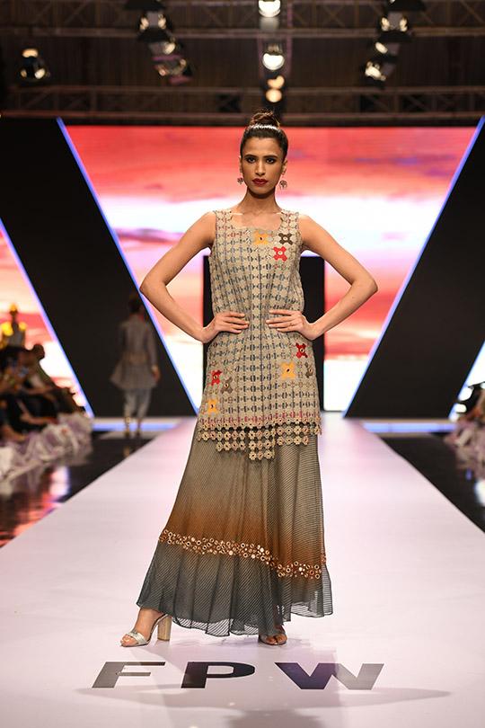 fashion_pakistan_ss_18_blog_yasmeen_jiwa_540_04