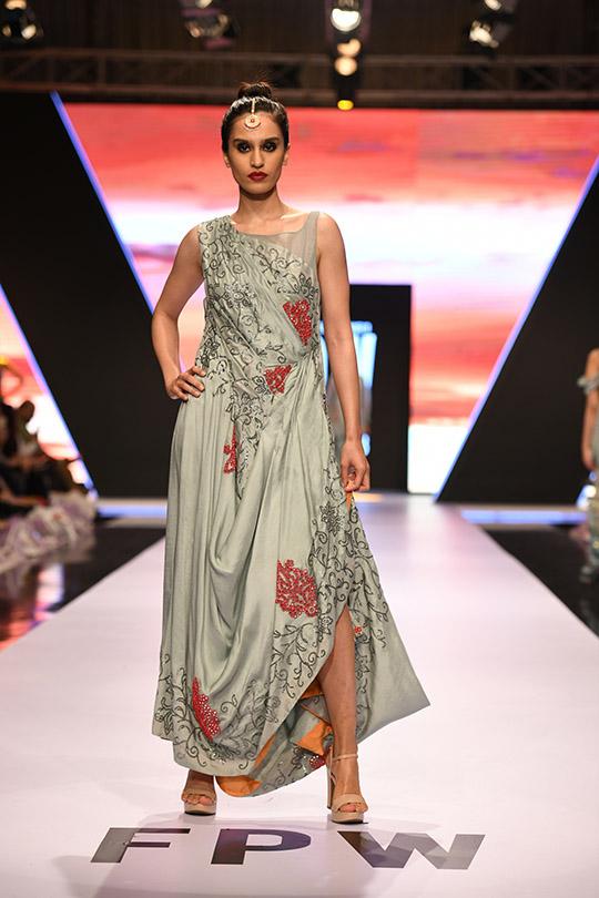 fashion_pakistan_ss_18_blog_yasmeen_jiwa_540_06