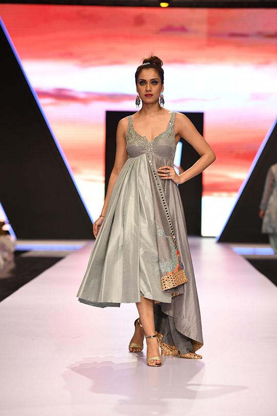 fashion_pakistan_ss_18_blog_yasmeen_jiwa_540_08
