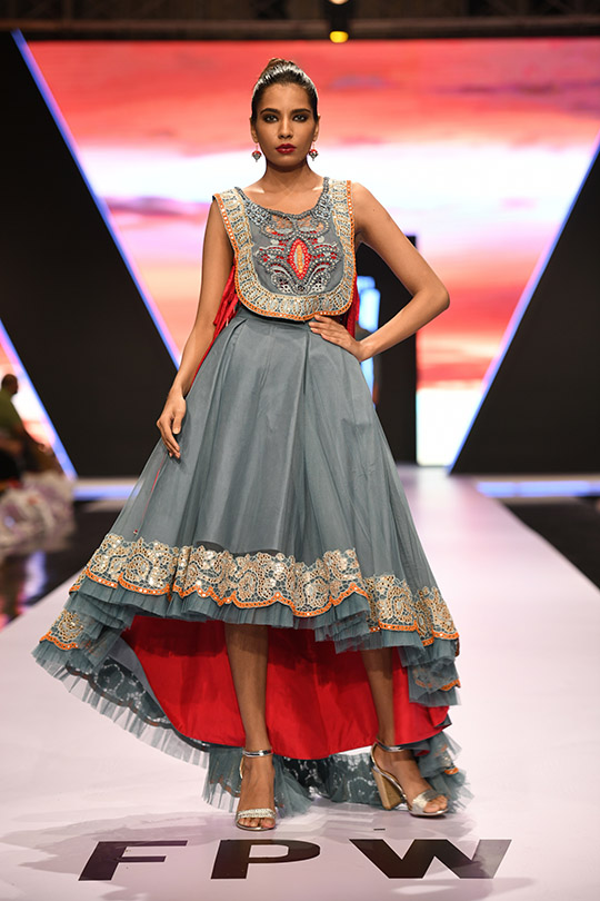 fashion_pakistan_ss_18_blog_yasmeen_jiwa_540_10