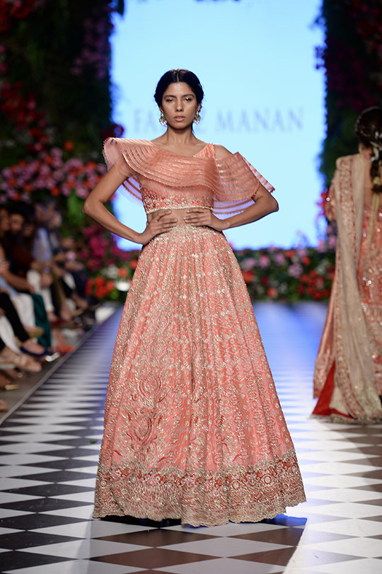 faraz_manan_pfdc_loreal_paris_bridal_week_540_07