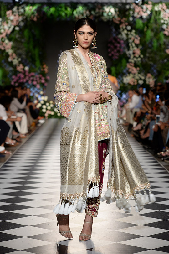 kamiar_rokni_pfdc_loreal_paris_bridal_week_540_09