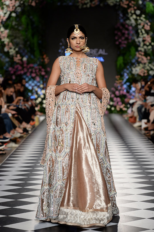 niza_azwer_pfdc_loreal_paris_bridal_week_540_01