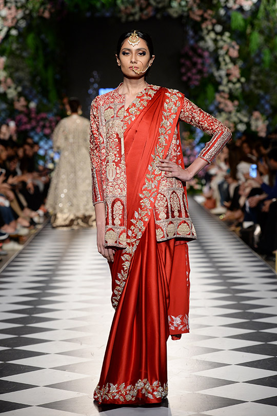 niza_azwer_pfdc_loreal_paris_bridal_week_540_05