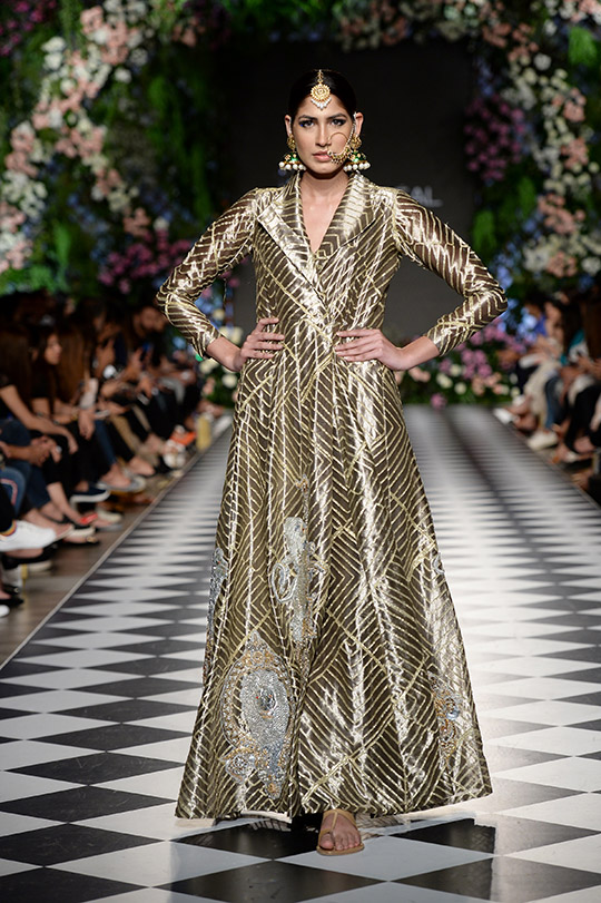 niza_azwer_pfdc_loreal_paris_bridal_week_540_08