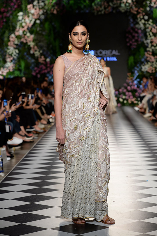 niza_azwer_pfdc_loreal_paris_bridal_week_540_09