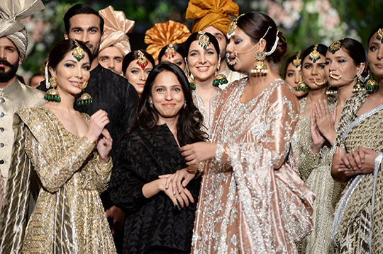 niza_azwer_pfdc_loreal_paris_bridal_week_540_10