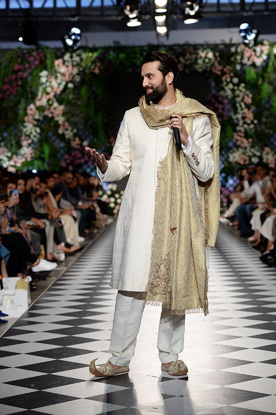 zainab_salman_pfdc_loreal_paris_bridal_week_540_01