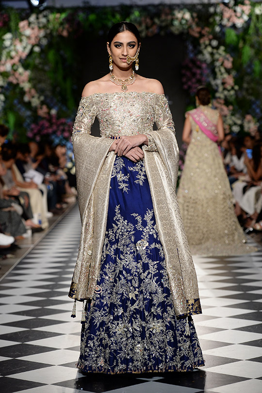 zainab_salman_pfdc_loreal_paris_bridal_week_540_07