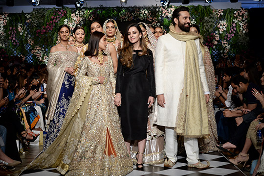 zainab_salman_pfdc_loreal_paris_bridal_week_540_10