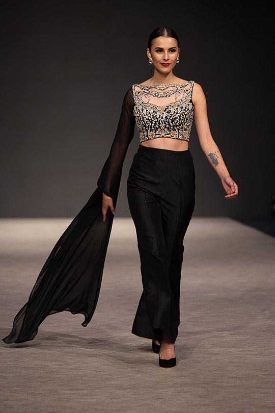 shamsha_hashwani_fashion_week_ss_2019_540_08