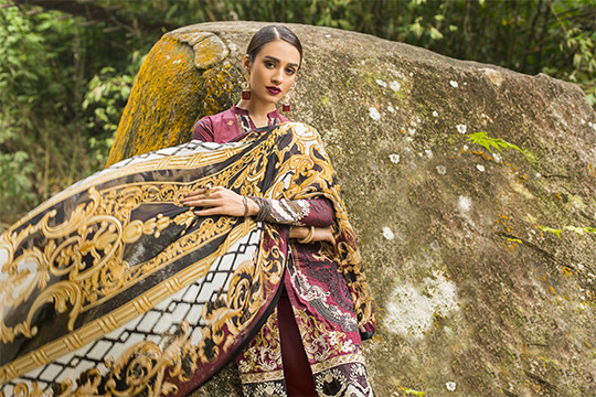 zainab_chottani_luxury_lawn_2019_outfits_540_02