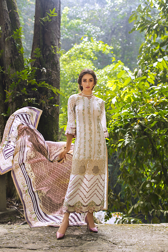 zainab_chottani_luxury_lawn_2019_outfits_540_13