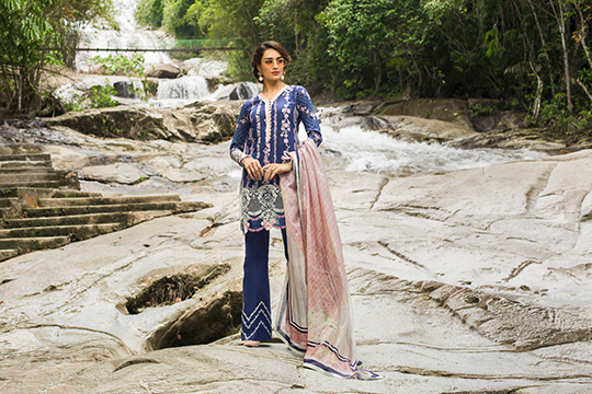 zainab_chottani_luxury_lawn_2019_outfits_540_15