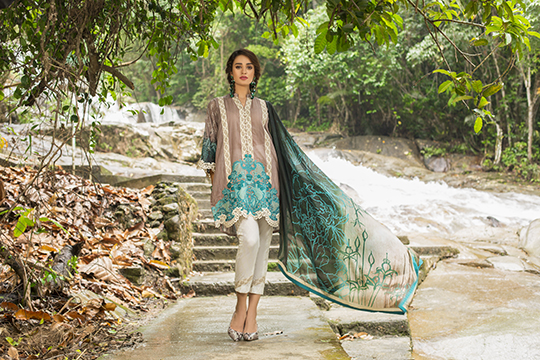 zainab_chottani_luxury_lawn_2019_outfits_540_18