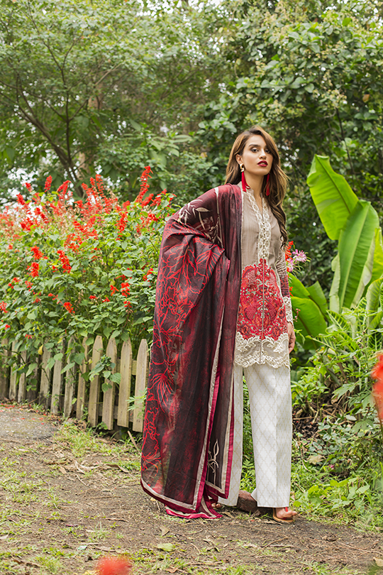 zainab_chottani_luxury_lawn_2019_outfits_540_19