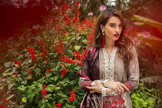 zainab_chottani_luxury_lawn_2019_outfits_540_20