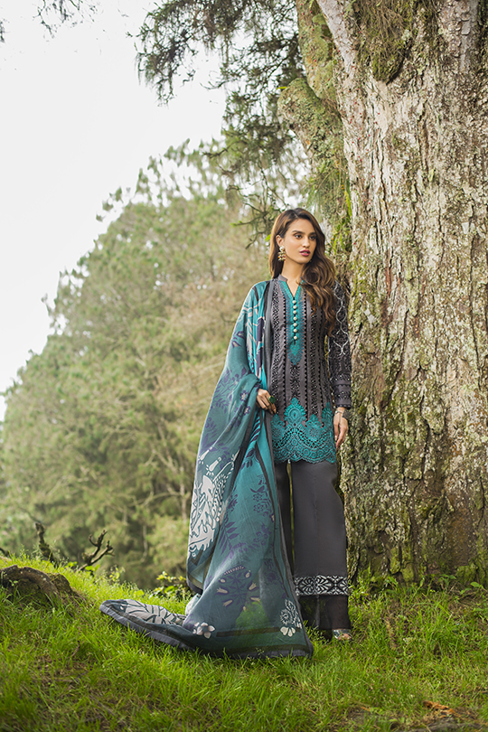 zainab_chottani_luxury_lawn_2019_outfits_540_21