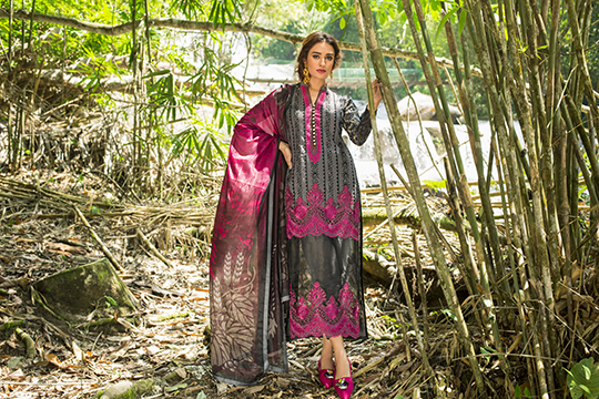 zainab_chottani_luxury_lawn_2019_outfits_540_23