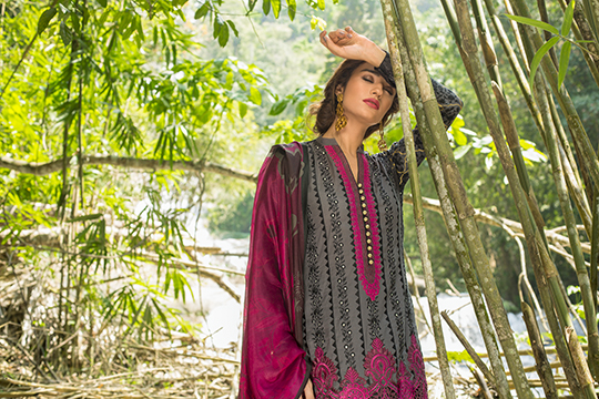 zainab_chottani_luxury_lawn_2019_outfits_540_24