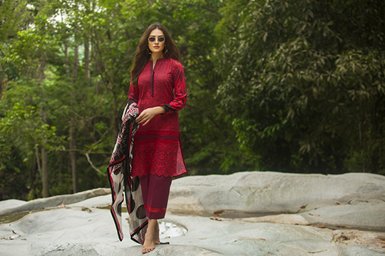 zainab_chottani_luxury_lawn_2019_outfits_540_28