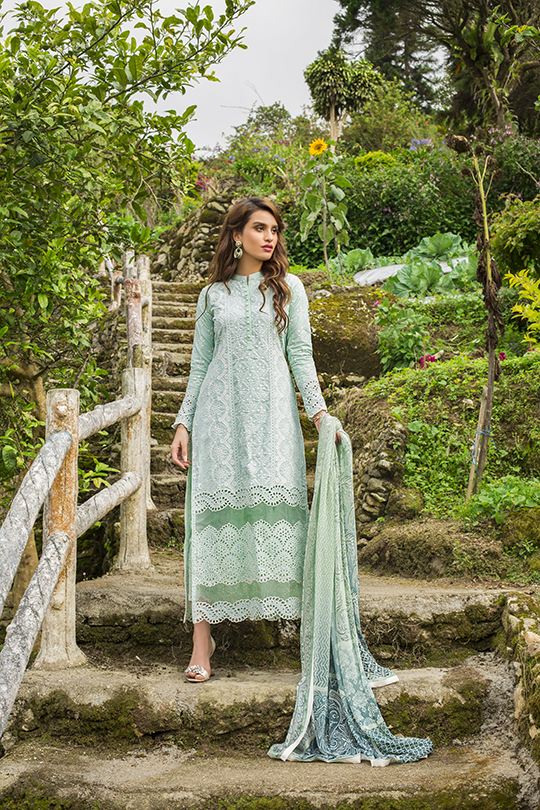 zainab_chottani_luxury_lawn_2019_outfits_540_32