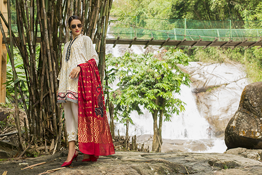 zainab_chottani_luxury_lawn_2019_outfits_540_34
