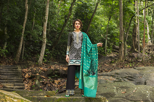 zainab_chottani_luxury_lawn_2019_outfits_540_35