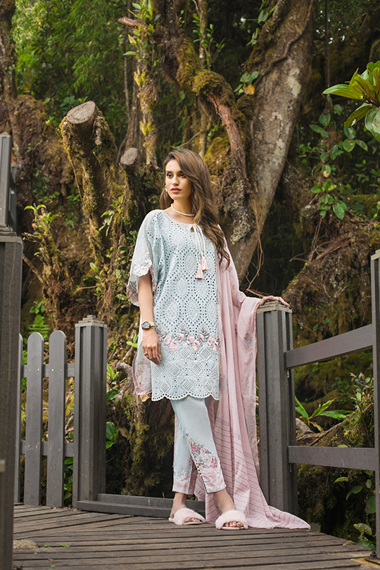 zainab_chottani_luxury_lawn_2019_outfits_540_37