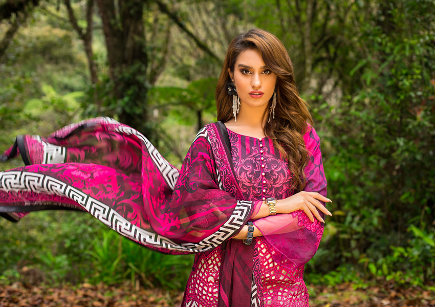 Zainab Chottani's Lawn Hits All The Right Notes!