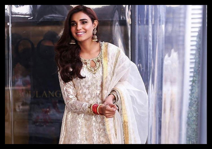 Style Notes: Ansab Jahangir Ladies Steal Our Hearts!