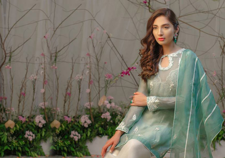 Style Notes: 10 Eid Looks That Will Make You A Trendsetter!