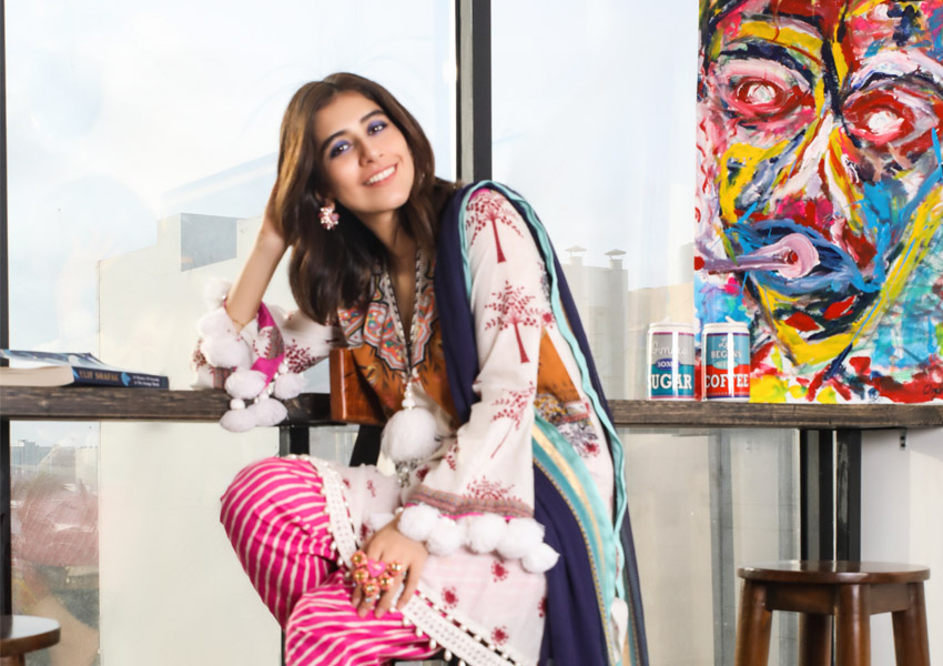 What's In Store: Syra Shahroz Steals Hearts In Mahay by Sana Safinaz!