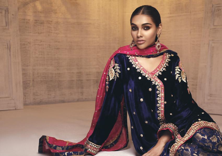 Style Notes!: Sana Abbas Brings Velvet Back!