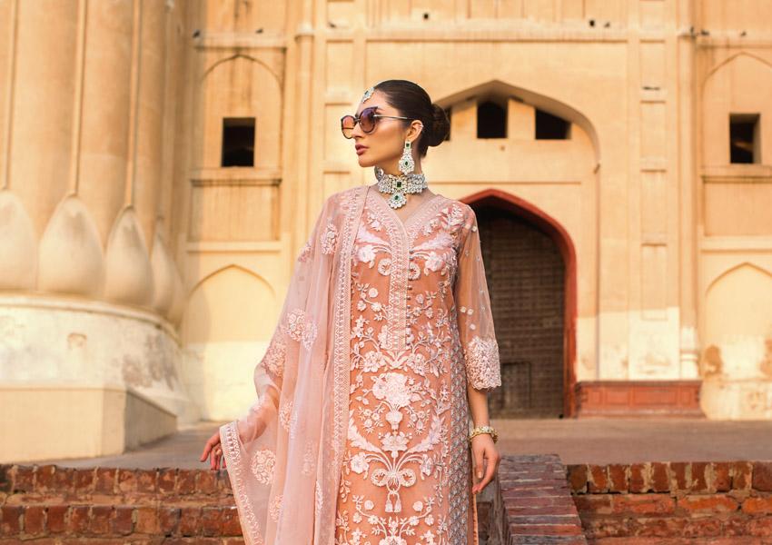 Style Notes!: Jamdani By Zainab Chottani Ups The Ante!
