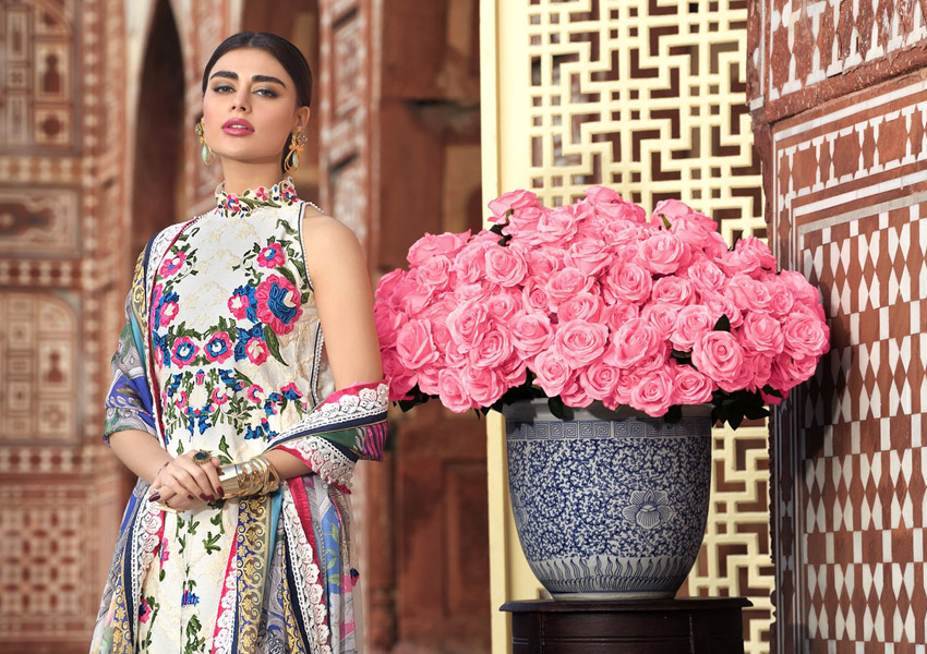 What's In Store: Asim Jofa's Luxury Lawn Collection Is Truly Breathtaking