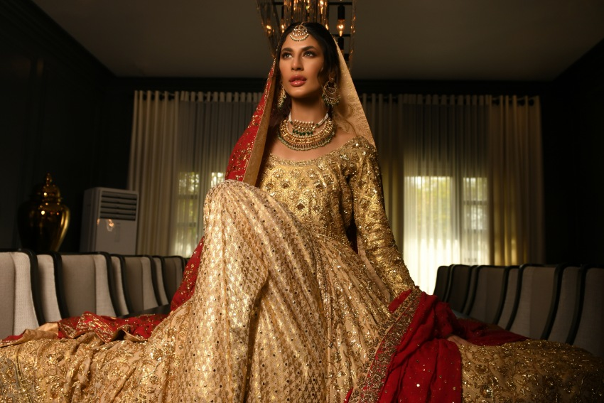 "Ready, Set, Shoot!: Khadija & Ayesha Unveil Their New Wedding Wear Collection ""Eclat"""
